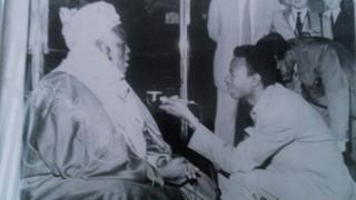 Adamu Muhammad yana hira da Sardunan Sokoto a Ingila