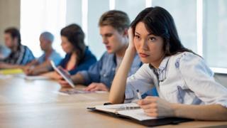 باحثون: اجتماعات المديرين يمكن أن تكون فرصة للعلاج وللتعرف على أدوار محددة في المؤسسات
