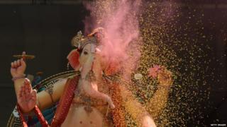 இறைச்சி உண்ணும் விநாயகர்: சர்ச்சையைக் கிளப்பிய விளம்பரம்