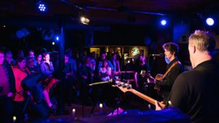 Dan Bettridge performs at Clwb Ifor Bach in 2015