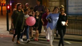 5月のマンチェスター攻撃では、子供や若者が直接の被害者になった