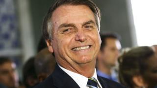 O que é a cartilha Caminho Suave, que alfabetizou milhões e caiu em desuso, mas mantém fãs como Bolsonaro