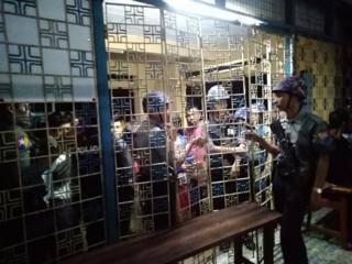 ရဲတပ်ဖွဲဝင်တွေ လမိုင်းမြို့မှာ အင်အားတိုးပြီးချထားပါတယ်။