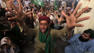 Islamists protest in Peshawar against the Supreme Court decision