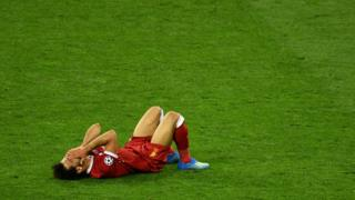 إصابة محمد صلاح خلال المباراة النهائية في دوري أبطال أوروبا
