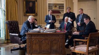 트럼프 대통령과 (전직) 보좌진, 그리고 펜스 부통령