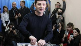 最新民意調查顯示,澤連斯基目前的支持度比許多傳統烏克蘭政客都要高。