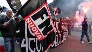 Neo-faşist Forza Nuova'nın (Yeni Kuvvet) eylemlerinden bir kare