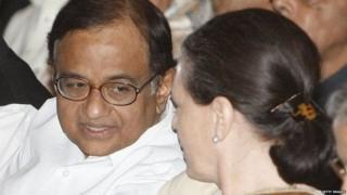 सोनिया गांधी के साथ पी चिदंबरम