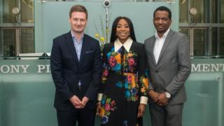 Mark Young (osoteonyesi nke ukwu ụlọọrụ Sony UK, Iberia na Africa), Mo Abudu (onyeisi, EbonyLife TV na Films) na Kunle Falodun, (osoteonyesi, Distribution Africa)