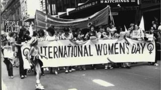 అంతర్జాతీయ మహిళా దినోత్సవం సందర్భంగా 1981వ సంవత్సరంలో ఆస్ట్రేలియాలో ర్యాలీ నిర్వహిస్తున్న మహిళలు