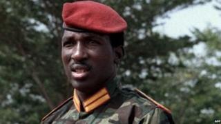 Dès l'entame de son discours, le chef de l'Etat français a fait référence à Thomas Sankara à qui il a rendu un hommage
