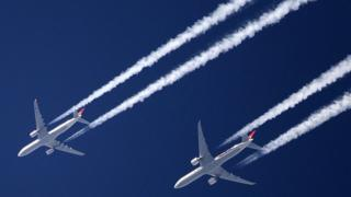 Planes flying over London