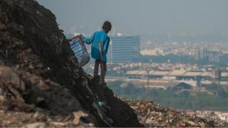 تقنية جديدة لمساعدة 15 مليون شخص يعيشون بين جبال النفايات