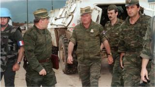 O general Ratko Mladic em Sarajevo