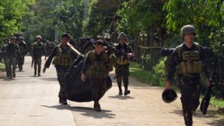 Quân đội Philippines đã gặp nhiều thương vong khi đấu tranh với Abu Sayyaf