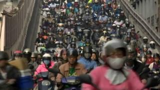 一位日本記者在台灣因交通意外過世,引發民眾對政策的討論。台灣的交通安全是否仍有改善空間?