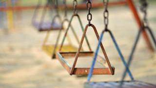 Play swings