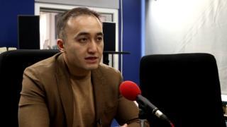 КТРКнын баш директору Илим Карыпбеков Бишкектеги Би-Би-Си студиясында