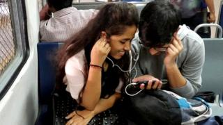 मोबाईल फोन