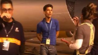 Imágenes de un video del joven cubano interceptado en el aeropuerto internacional de Miami