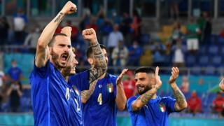 Italy players celebrate