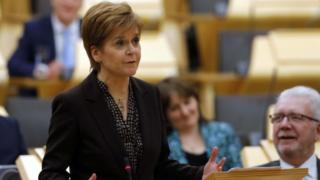 Scottish independence: MSPs back new referendum in Holyrood vote