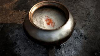 ভোজন রসিকদের খাদ্য তালিকায় বিরিয়ানি খুবই পছন্দের একটি খাবার।