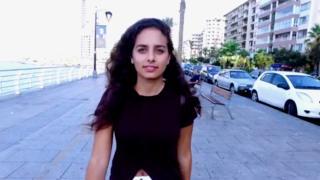 صورة لامرأة في لبنان
