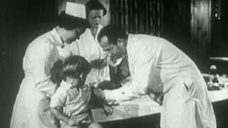 گزارشهای بیبیسی فارسی در مورد واکسیناسیون؛ روایت یک مبتلا به فلج اطفال
