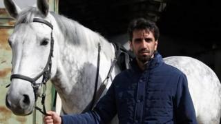 حسین جنتی با شکایت اطلاعات سپاه اصفهان بازداشت شده است