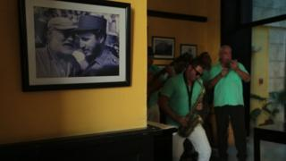 Küba'da bir bar