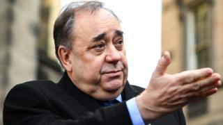 Alex Salmond refiere al gobierno escocés al regulador de datos - BBC News