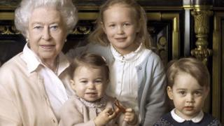 Queen and great-grandchildren