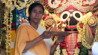 রথযাত্রা উৎসব উদযাপনে পশ্চিমবঙ্গের মুখ্যমন্ত্রী মমতা ব্যানার্জি