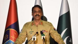 د پاکستان پوځ د رسنیز دفتر مشر جنرال اصف غفور