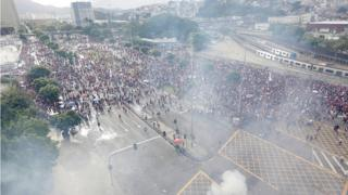 Football Tear gas is fired during the Flamengo victory Parade - Rio de Janeiro, Brazil - November 24, 2019