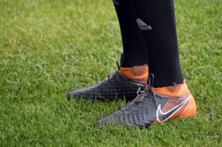 Nike waxay tiri haddii ay tahay shirkad Mareykan ah Kabaha kuma wareejin karto cayaartoyda reer Iiraan