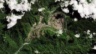 Rio Tinto: Mining giant accused of poisoning rivers in Papua New Guinea thumbnail