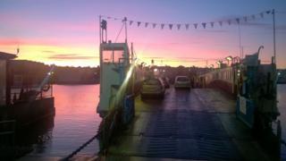 Floating bridge in Cowes