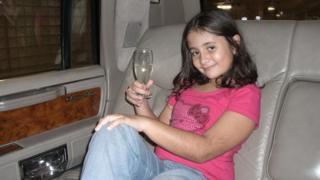 Fabiana aos dez anos em Orlando