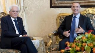 Italian Prime Minister-designate Carlo Cottarelli (right) and Italian President Sergio Mattarella in Rome, 29 May 2018