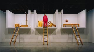 """""""Кућа са погледом на океан"""", Њујорк 2002. године - перформанс који се појавио и у популарној серији Секс и град"""