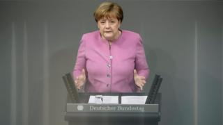 Angela Merkel bugün Alman parlamentosunda konuşurken