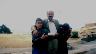 Allan con su familia.