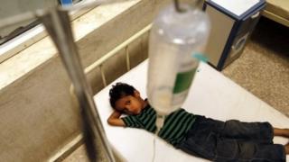 طفل في مستشفى