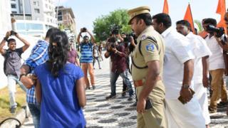 Shiv Sena members beat up young couples in Kerala