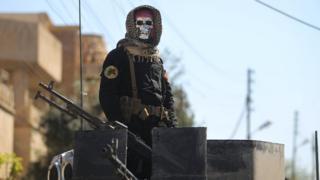 Irak ordusu terörle mücadele biriminden bir asker, Celile Mahallesi, Musul, 26 Mart.