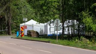 Forest of Dean: 'Woman's remains' found in two suitcases thumbnail