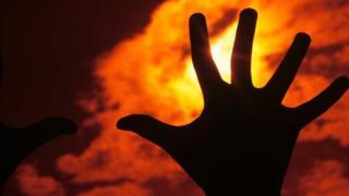 ستة تحديات تهدد بفناء البشرية على المدى الطويل